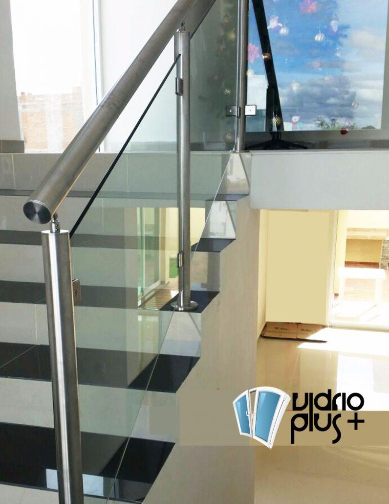 De vidrio para interiores awesome panel de construccin de for Escaleras de aluminio para interiores