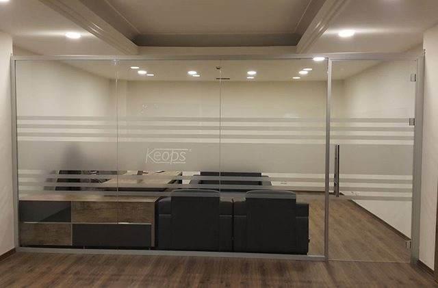 Mamparas para oficina separacion de espacios con vidrio - Mamparas vidrio templado ...