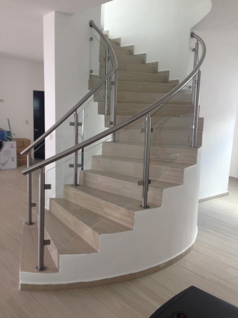 Barandal de vidrio templado presupuesto sin compromiso - Pasamanos de cristal para escaleras ...
