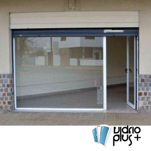 Cancel con Puerta Corrediza 2 pulg. de Lujo Aluminio Color Bco., Vidrio Claro 6mm,