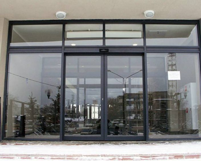 canceleria de aluminio y vidrio vidrioplus