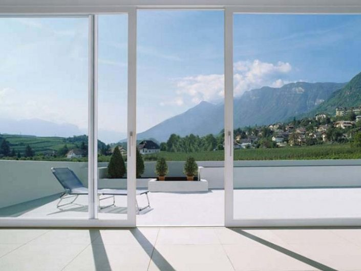 Puertas de aluminio y Cristal Templado panoramica